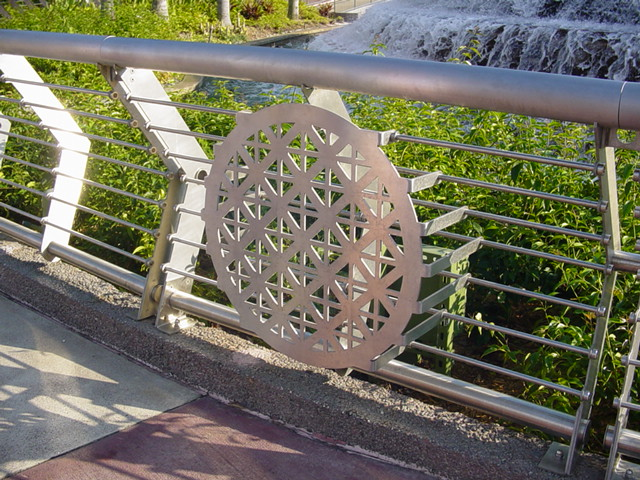 Epcot's Innoventions Fountain Gets a New Railing – Bling, Bling!