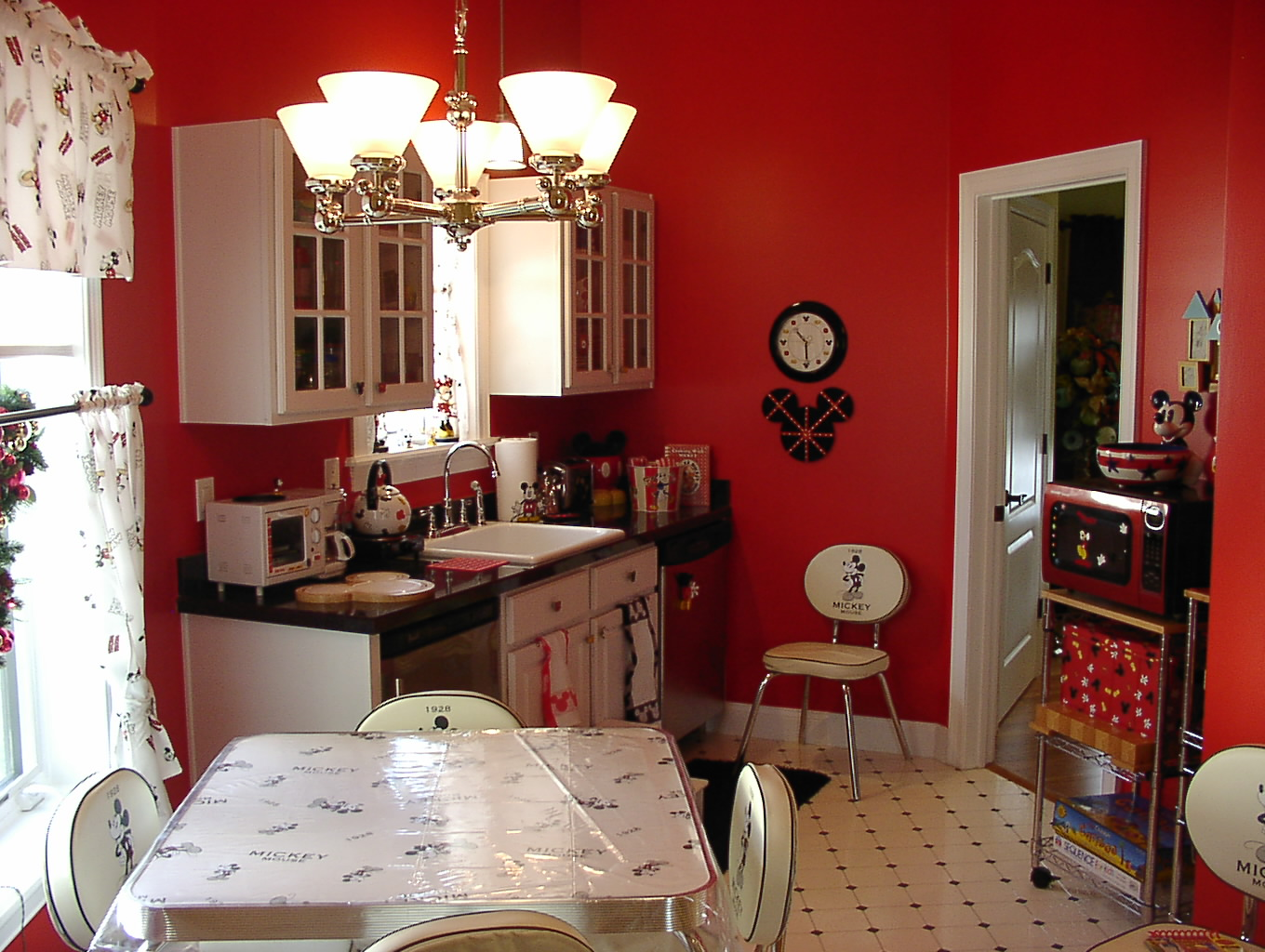 Amazing Mickey Mouse Themed Kitchen 1360 x 1024 · 338 kB · jpeg