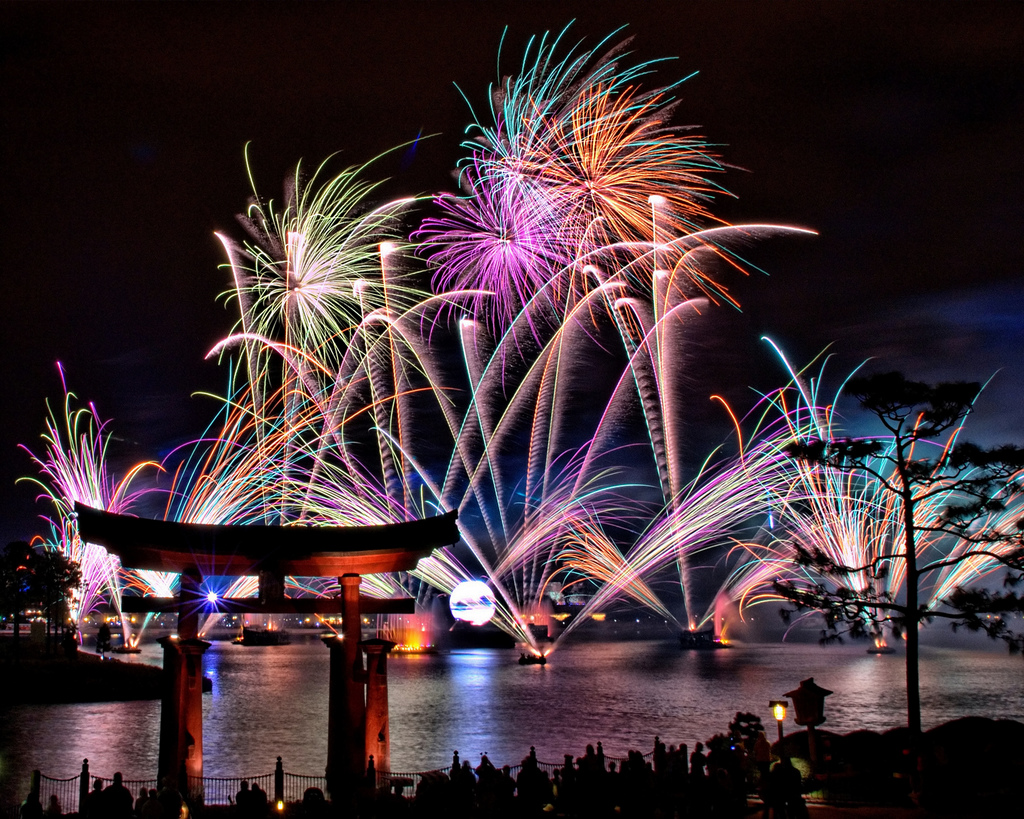 Wordless Wednesday – Stunning Shot of Epcot's Illuminations Reflections of Earth