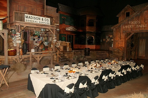 Want to Have Dinner with Fellow Disney Fans Inside a Walt Disney World Attraction?
