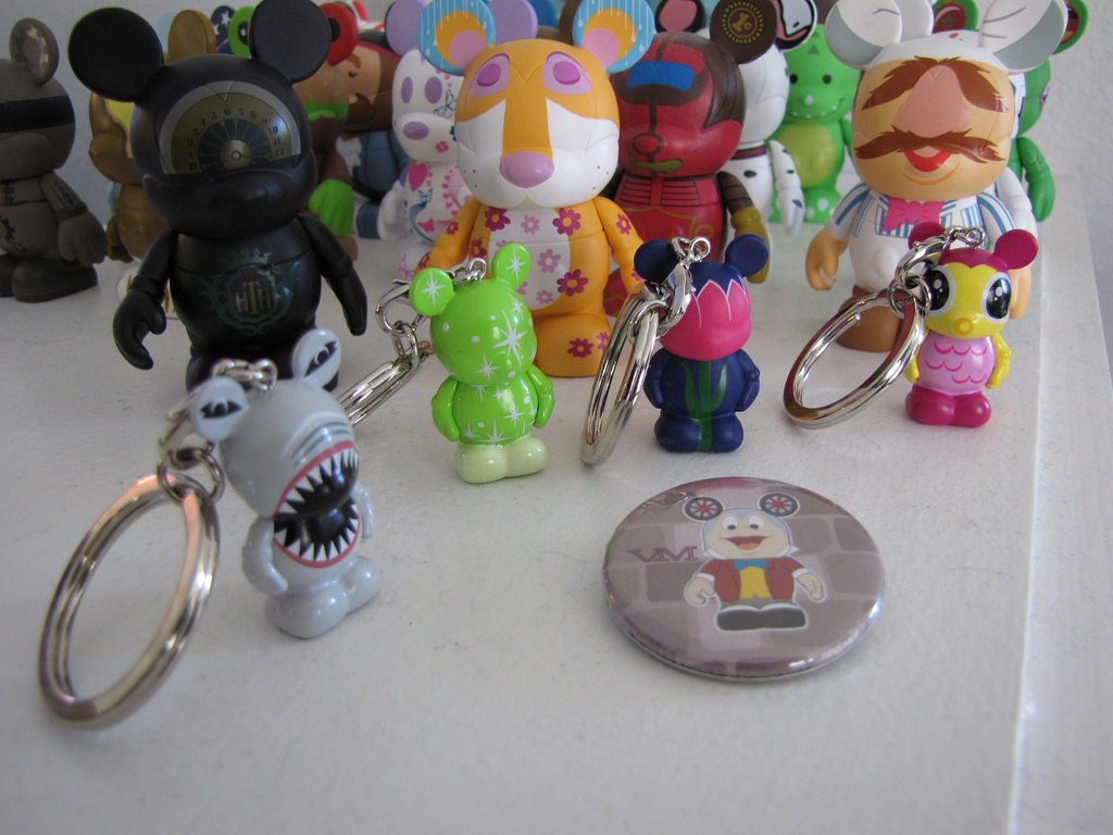 Some Vinylmation Jr's including the green chaser (one of 2 Jr. chasers) Also pictured, 2 from the Park series 4 released on 4/3 and the free Mr. Toad button given out at the event.