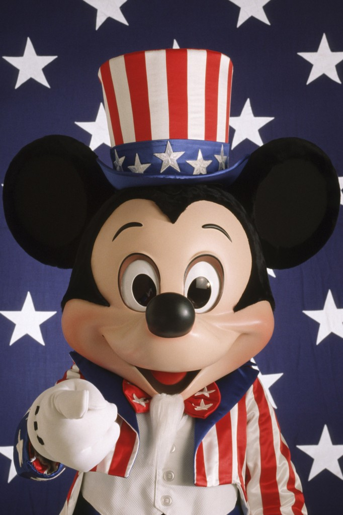 Happy 4th of July From Mickey Mouse and DisneyEveryDay.com