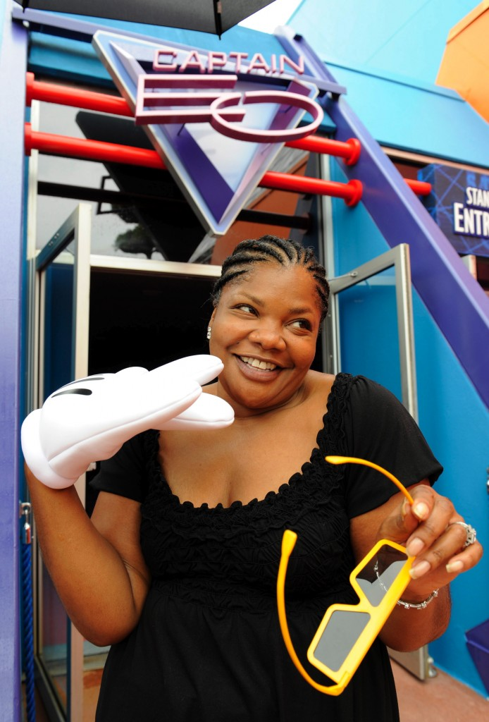ALL YOU NEED IS GLOVE: Mo'Nique visits Captain EO Grand Re-Premiere