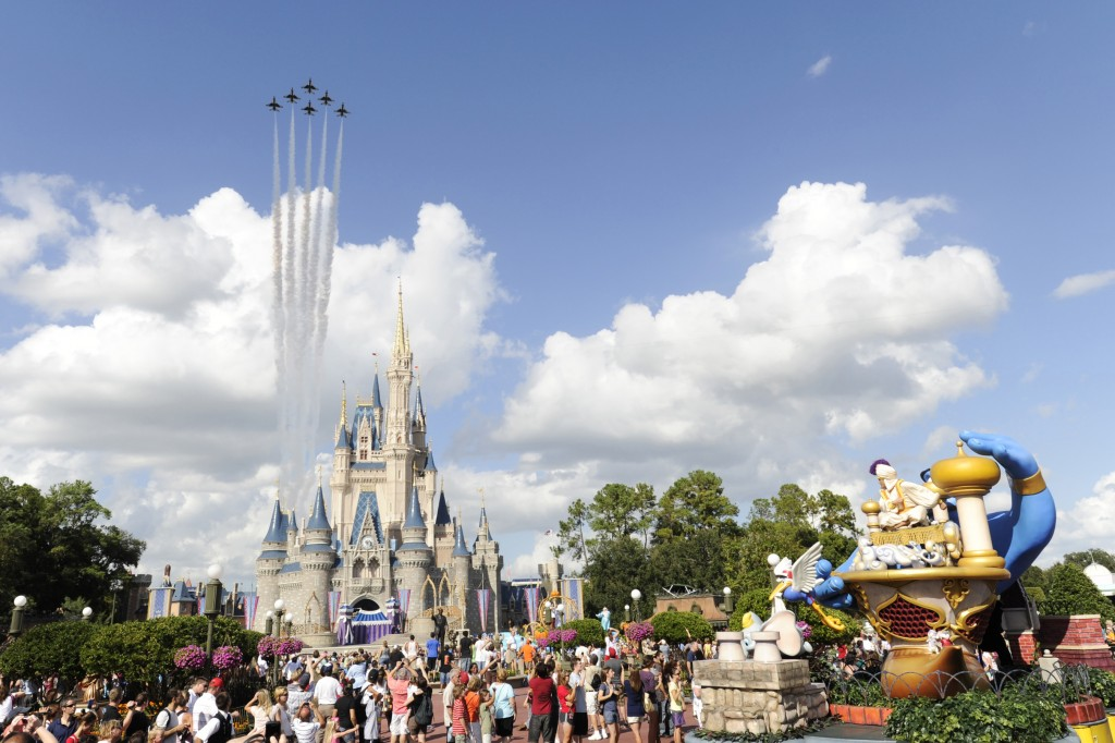 Video: US Air Force Thunderbirds Fly Over the Magic Kingdom
