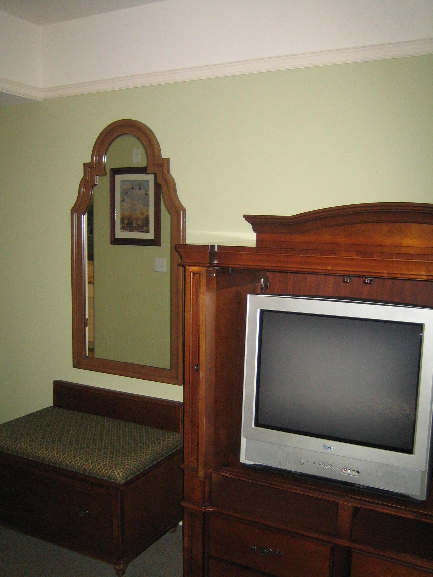 photo tour of a one bedroom suite at disney s saratoga springs resort and spa disney every day. Black Bedroom Furniture Sets. Home Design Ideas