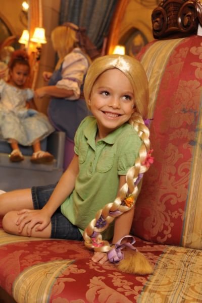 tangled Rapunzel makeover at the Bibbidi Bobbidi Boutique