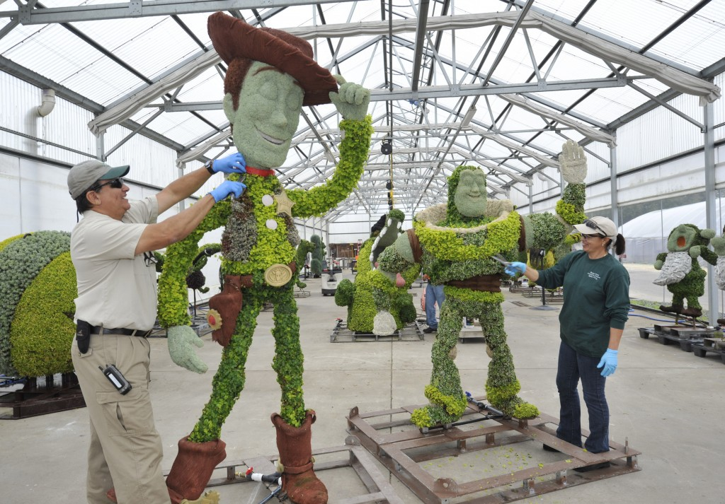 toy story topiaries