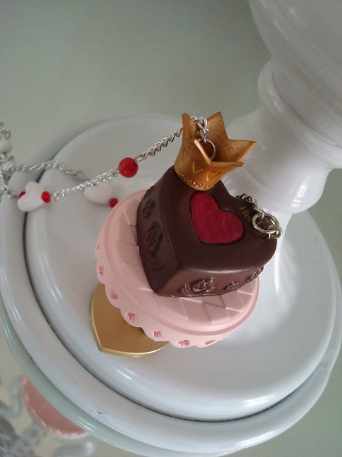 Queen of Hearts Tart Cake Necklace