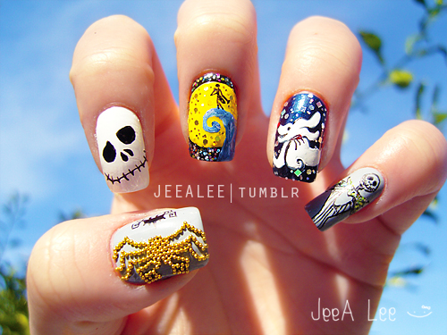 disney nightmare before christmas manicure - Disney Christmas Nails