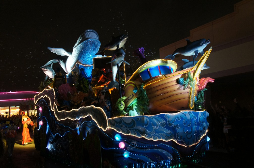 Universal mardi Gras parade float