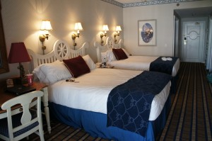 Video Photo Tour of the Rooms at Disney's Yacht Club Resort