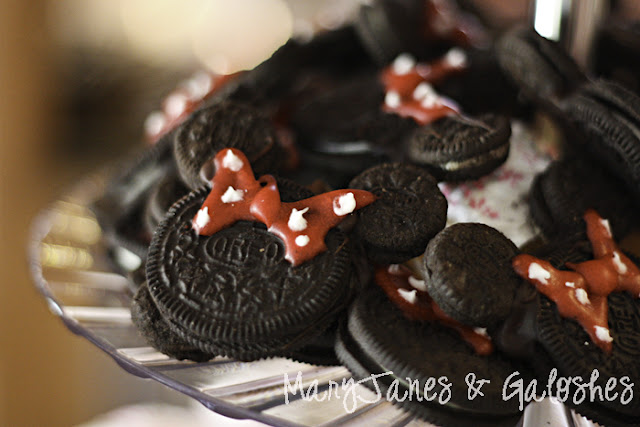 Easy Minnie Mouse Oreo Cookies
