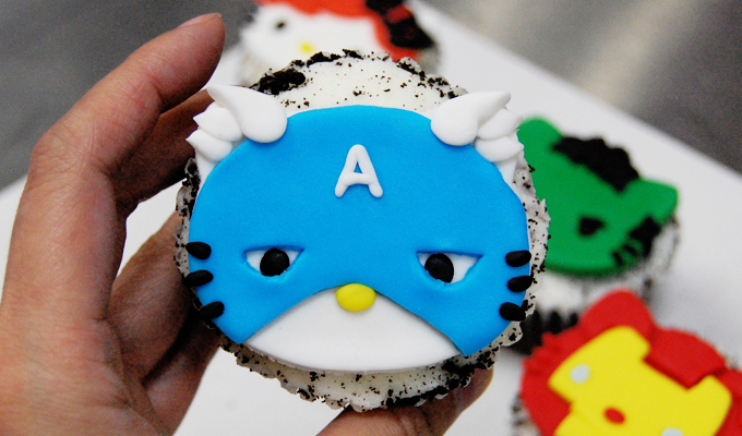 Captain America Hello Kitty Avengers Cupcake