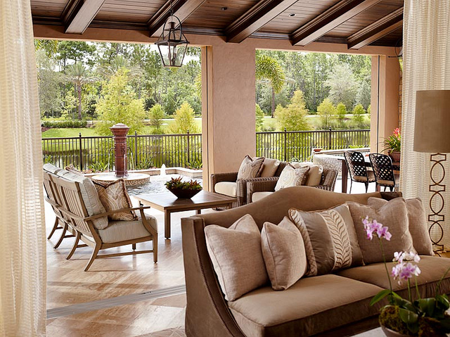 Issa Homes Golden Oak Casa di Lusso Model Home - deck