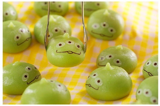 Little Green Men Sweet Buns