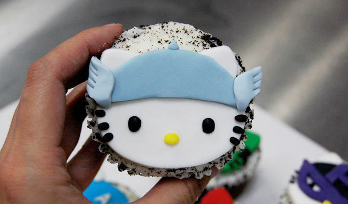 Thor Hello Kitty Avengers Cupcake