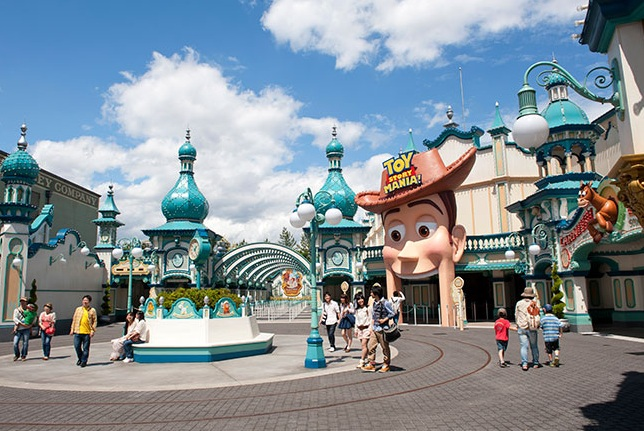Guests of Tokyo DisneySea Will Enter Toy Story Mania Through Woody's Mouth