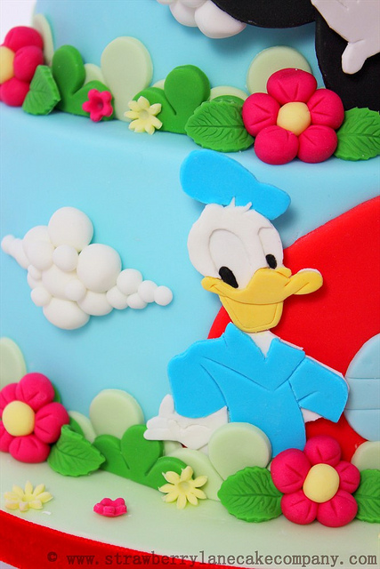 Disney Mickey Mouse Clubhouse Cake and Cupcakes Donald