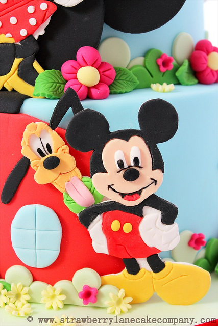 Disney Mickey Mouse Clubhouse Cake and Cupcakes Pluto Mickey
