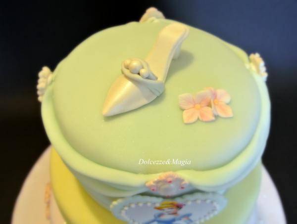 Three Layer Disney Princess Cake Cinderella