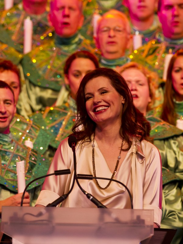 Celebrity Narrator Schedule for the 2012 Epcot Candlelight Processional at Walt Disney World
