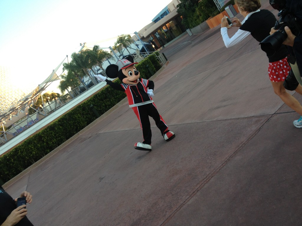 mickey mouse sports disney rundisney epcot