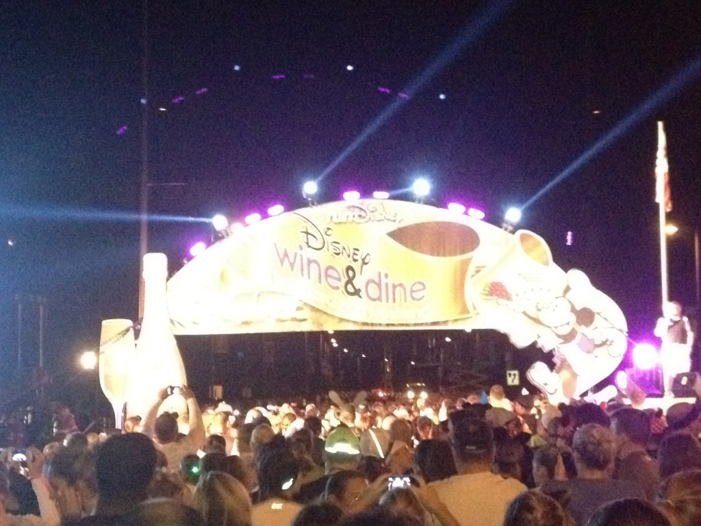 2012 disney wine dine half marathon start line