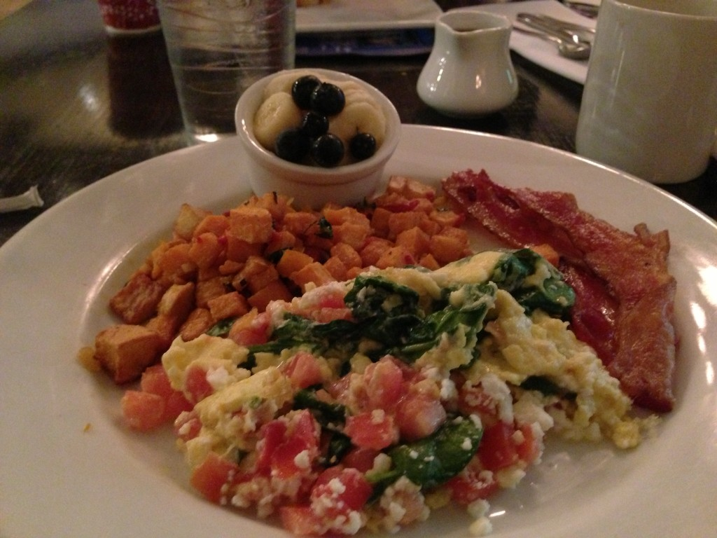 spinach tomato and feta scrambled eggs cat cora kouzzina disney breakfast