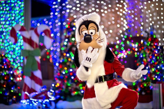 Santa Goofy Making Nightly Appearances at Disney's Osborne Family Spectacle of Dancing Lights
