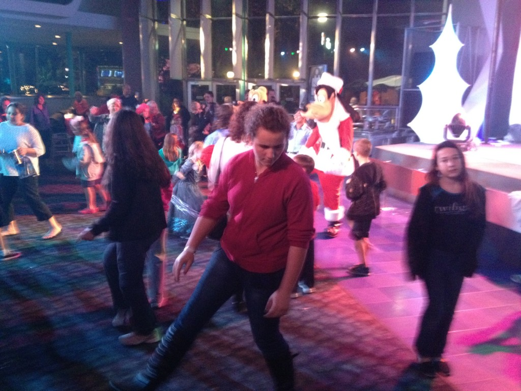 mickeys very merry christmas party club tinsel dance party