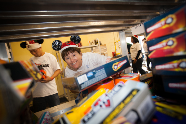 disney voluntears toys for tots christmas