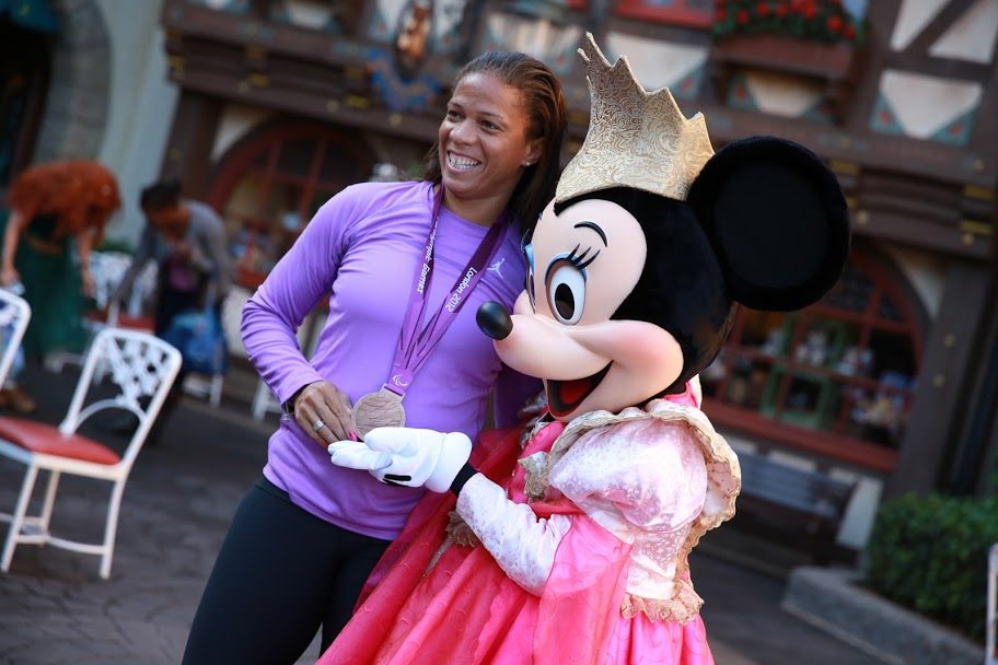 April Holmes three-time paralympian disney princess half meet up