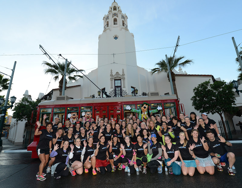 rundisney carthay group shot disneyland tink half meet up