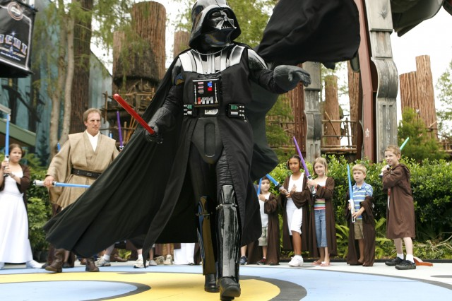 Celebrity Appearance Schedule for Disney's 2013 Star Wars Weekends