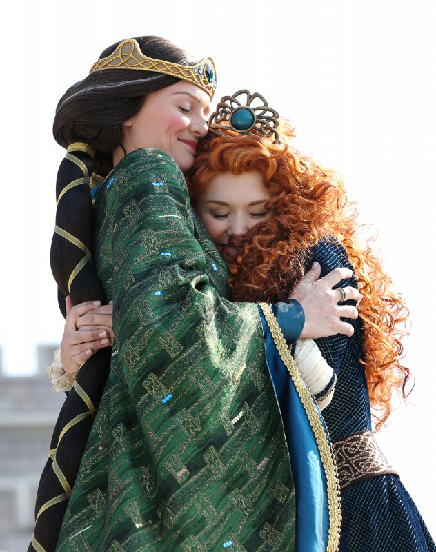 Queen Elinor Merida Princess Disney BRAVE