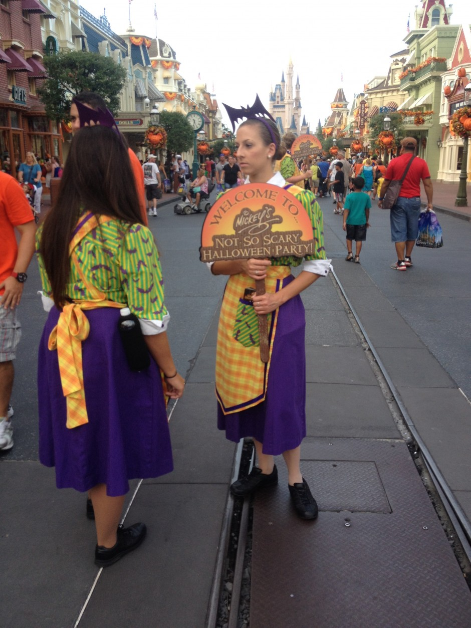 2013 Mickey's not so scary halloween party magic kingdom cast members