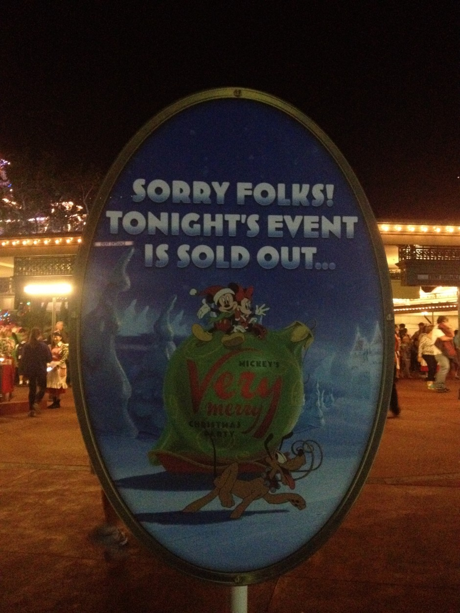 2013 mickeys very merry christmas party sold out sign