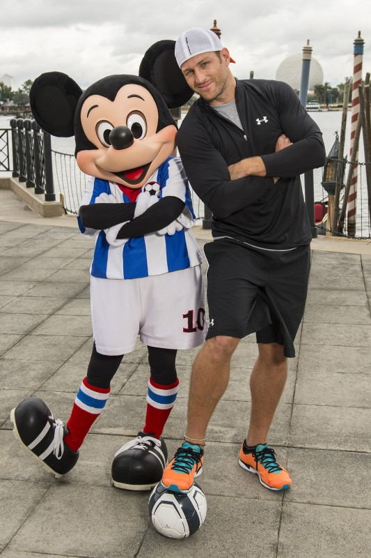 'The Bachelor' Juan Pablo Galavis Visits Walt Disney World