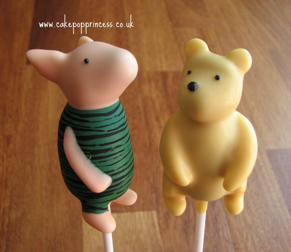 Classic Winnie the Pooh and Piglet Disney Cake Pops