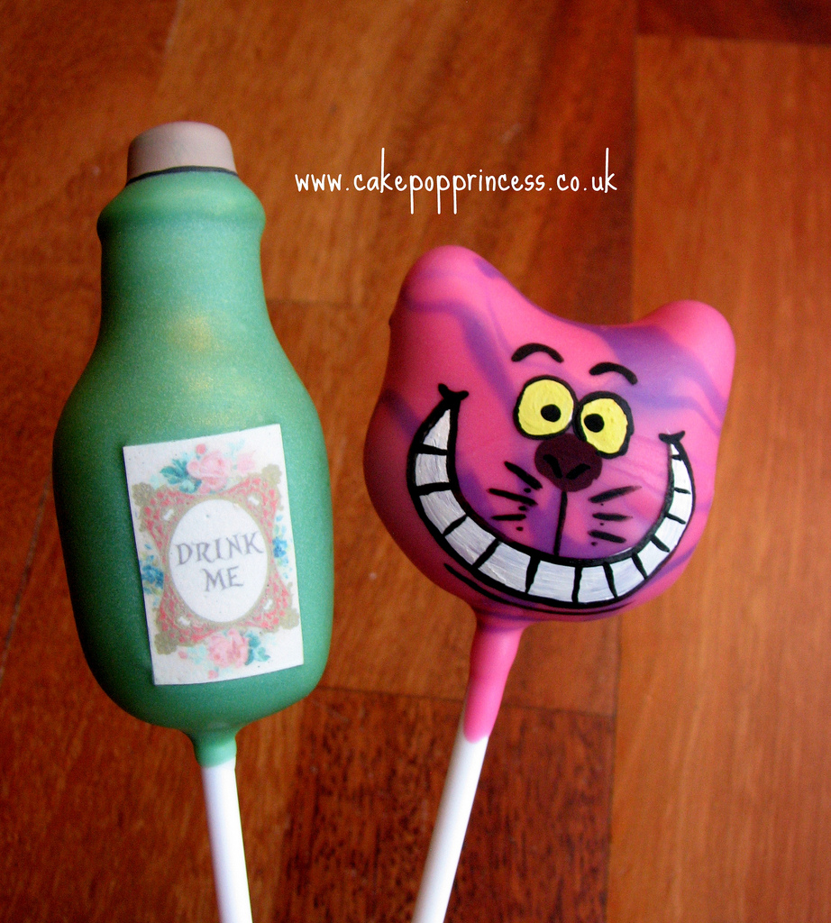 Disney Alice in Wonderland Cheshire Cat Cake Pops