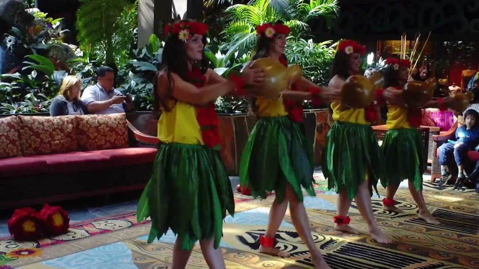 Free Hula Dance Lessons at Walt Disney World