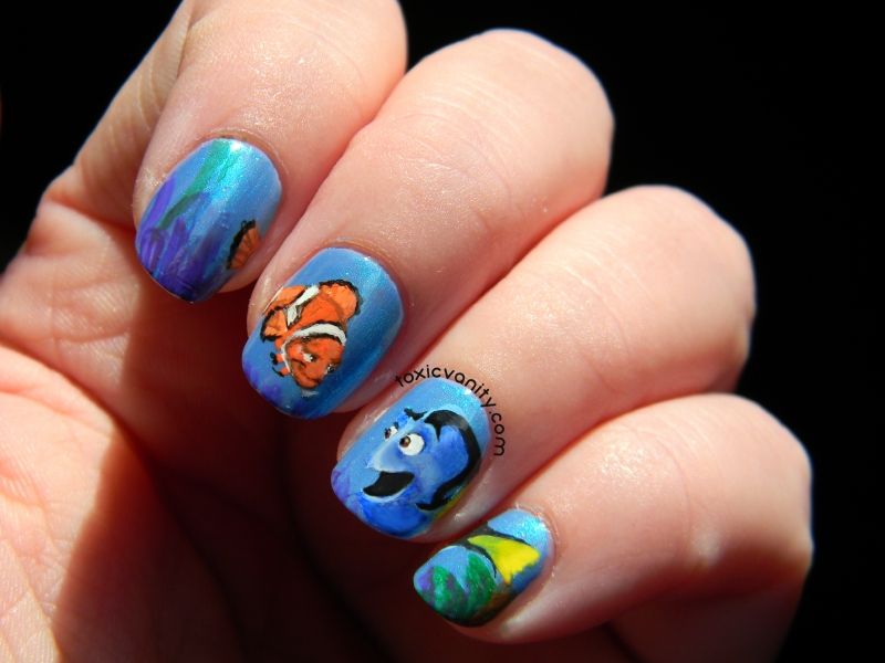 Finding Nemo Marlin and Dory Disney Manicure