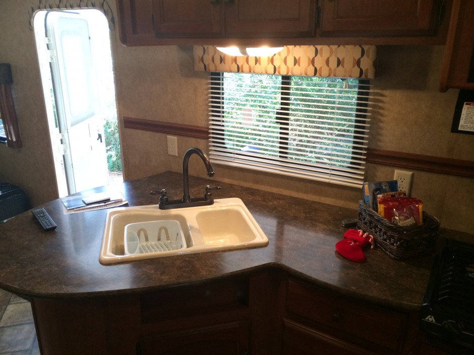 Meacham's RV Disney Fort Wilderness Resort Camper kitchen sink