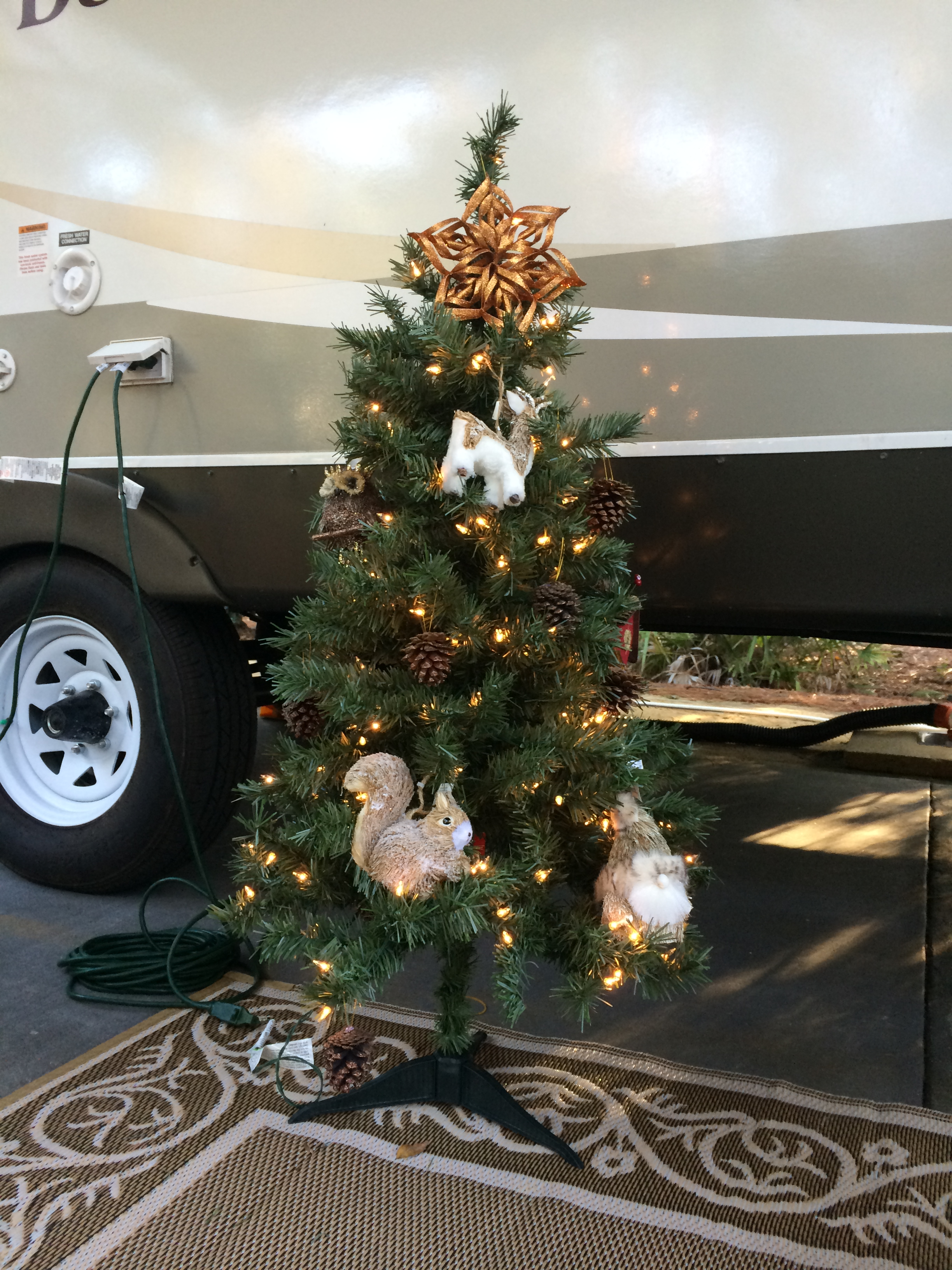 meachams rv disney fort wilderness resort camper christmas tree - Camper Christmas Decorations