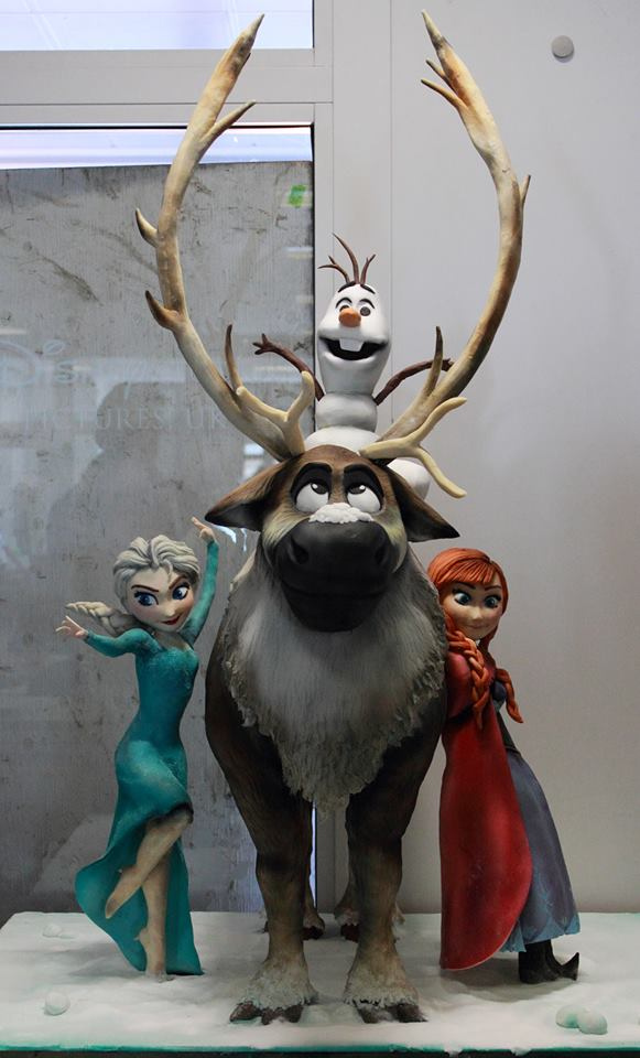 Sculpted Disney Frozen Cake