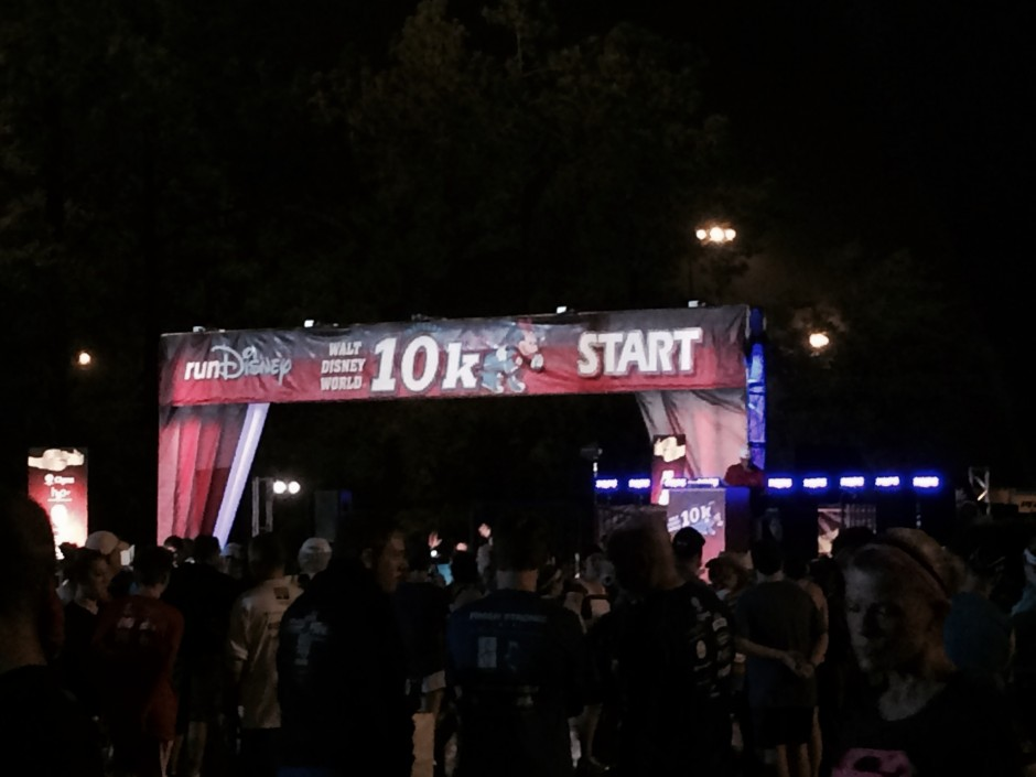 rundisney 2014 walt disney world 10k minnie race start line