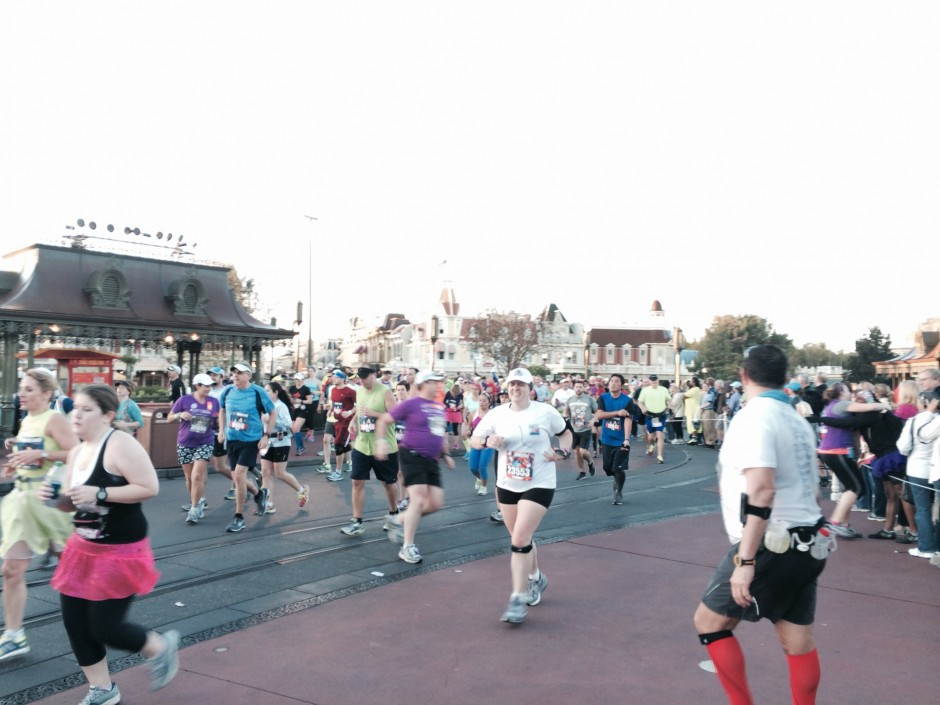 2014 runDisney walt disney world marathon magic kingdom