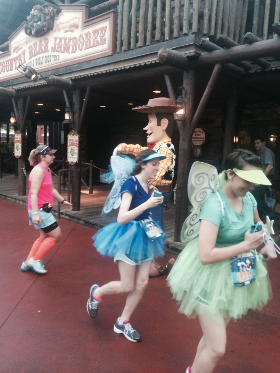 2014 rundisney dopey challenge walt disney world half marathon magic kingdom frontierland