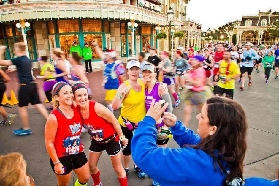 2014 runDisney walt disney world marathon amanda tinney ashley magic kingdom