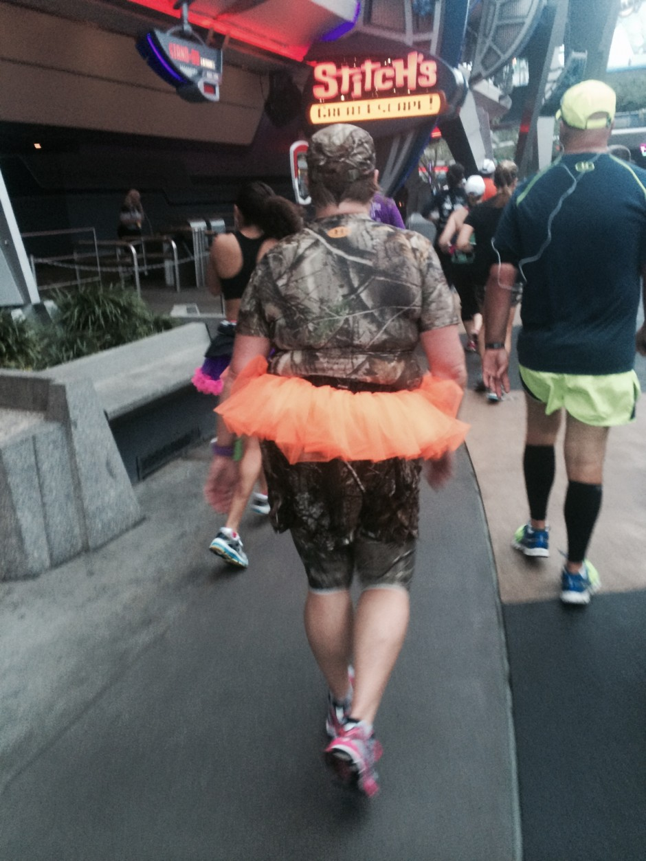 2014 rundisney dopey challenge walt disney world half marathon magic kingdom camo runner